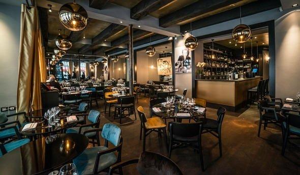 Repas entreprise à deux pas des Champs-Élysées restaurant groupe Paris 8