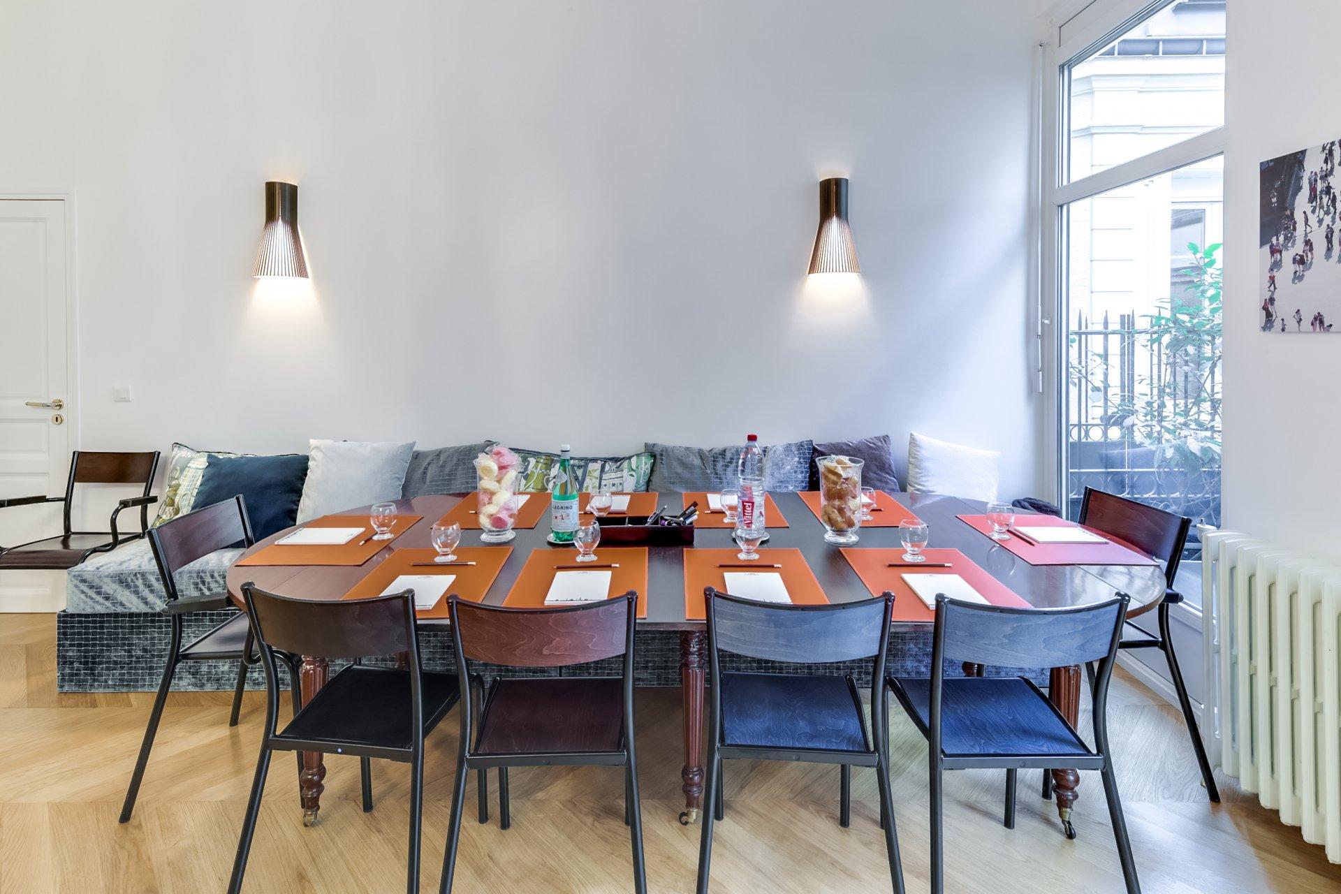 Cocktail dans un appartement privé restaurant groupe PARIS 8 75