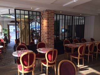 Repas entreprise dans une adresse mythique restaurant groupe Paris 18