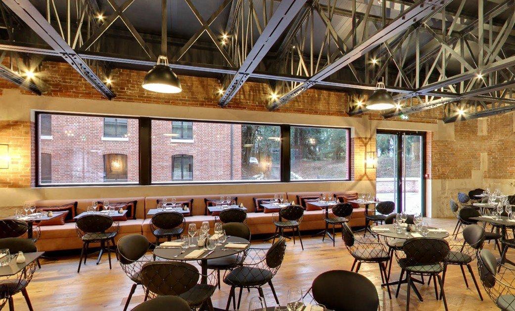 Repas entreprise au cœur d'un château historique restaurant groupe Ferrières-en-Brie 77