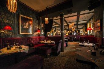 Repas entreprise a deux pas du Rond-Point des Champs Elysées restaurant groupe