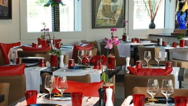 la table des artistes courbevoie hauts de seine offrir cadeau restaurant. Black Bedroom Furniture Sets. Home Design Ideas