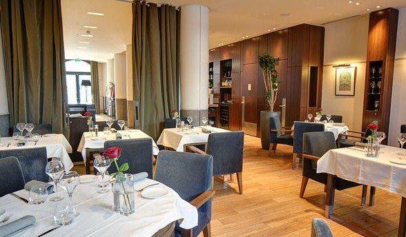 Repas entreprise adresse élégante et contemporaine restaurant groupe PARIS 8 75