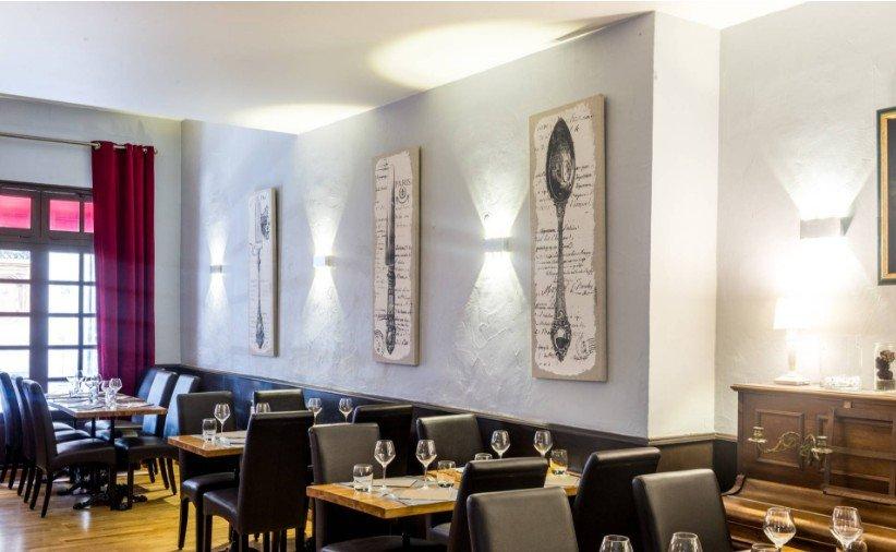 Repas entreprise dans une ambiance chaleureuse, restaurant groupe Paris 9