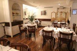 Repas entreprise dans un restaurant de style parisien à Bourse restaurant groupe Paris 2