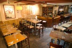 Repas entreprise dans une cave tendance restaurant groupe PARIS 2 75