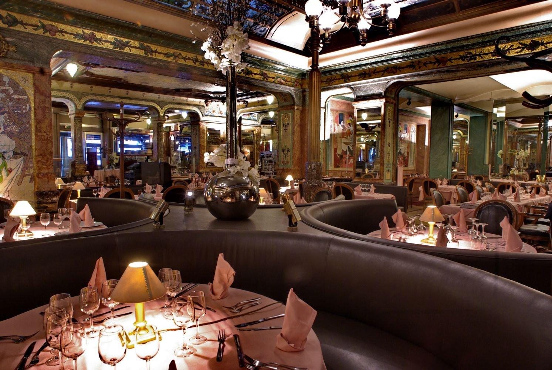 Repas d entreprise dans une Brasserie Historique a Paris restaurant groupe Paris 8