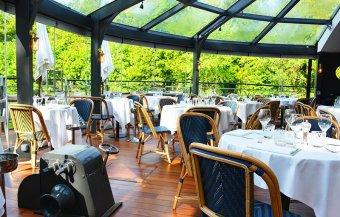 Repas entreprise sur une péniche Issy-les-Moulineaux restaurant groupe Issy-les-Moulineaux 92