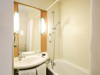 Ibis Boulogne sur Mer Centre les Ports***