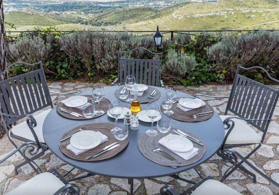 Restaurant de l 39 abbaye de sainte croix salon de provence for Sos dentiste salon de provence