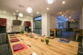 Cours de cuisine gastronomique dans un décor loft New-Yorkais restaurant groupe PARIS 3 75