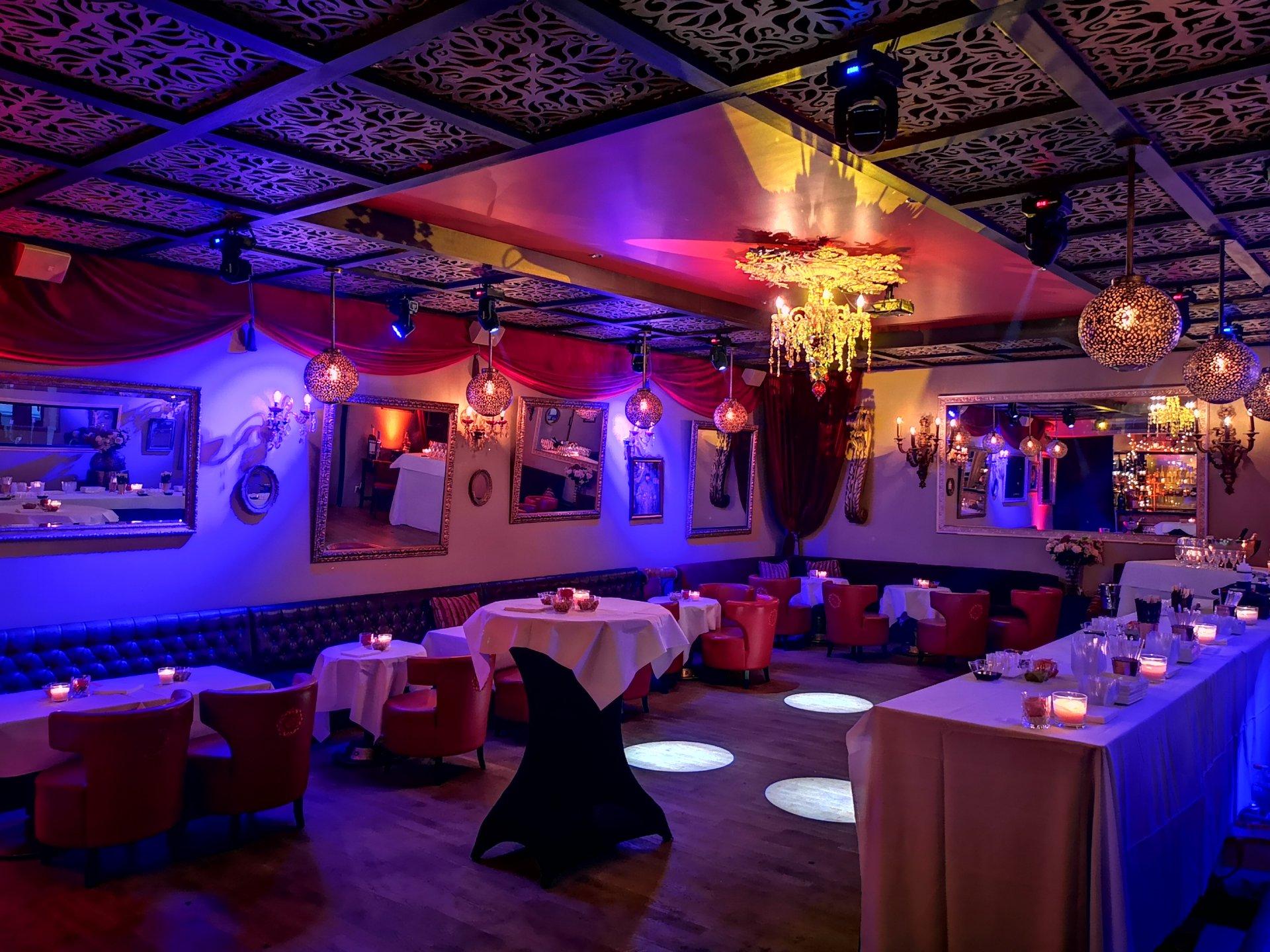 Privatisation dans un élégant restaurant à l'ambiance Russe restaurant groupe PARIS 16 75