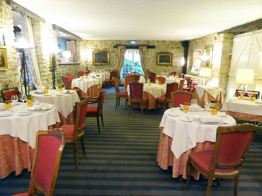 The 10 Best Restaurants Near Chateau de Perigny - TripAdvisor