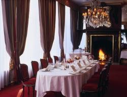 Repas entreprise dans un restaurant étoilé en plein coeur du Bois de Boulogne restaurant groupe Paris 16