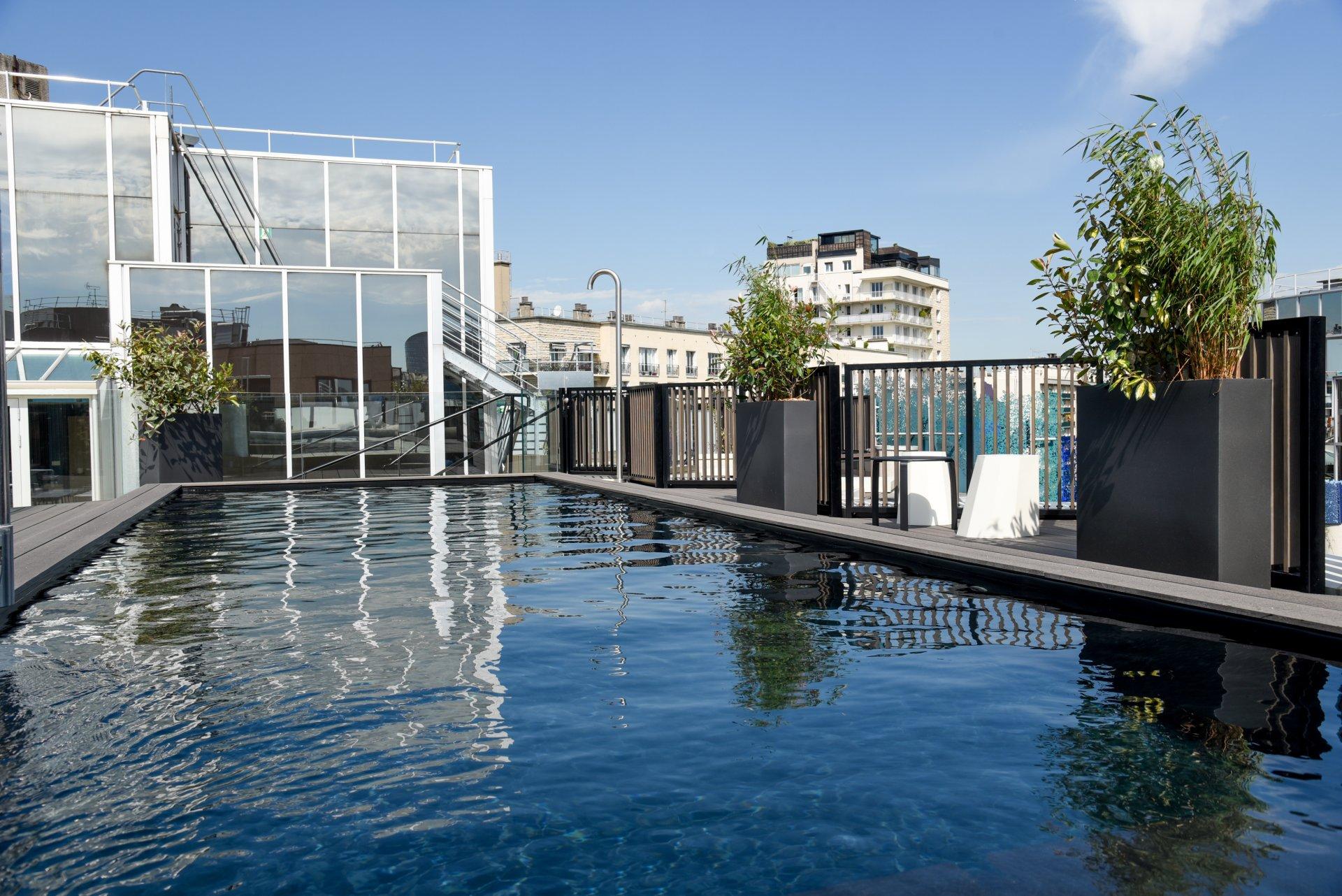 Cocktail dinatoire sur le rooftop piscine boulogne for Boulogne billancourt piscine