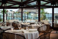 Repas entreprise dans un restaurant contemporain avec vue panoramique Paris 7 restaurant groupe PARIS 7 75